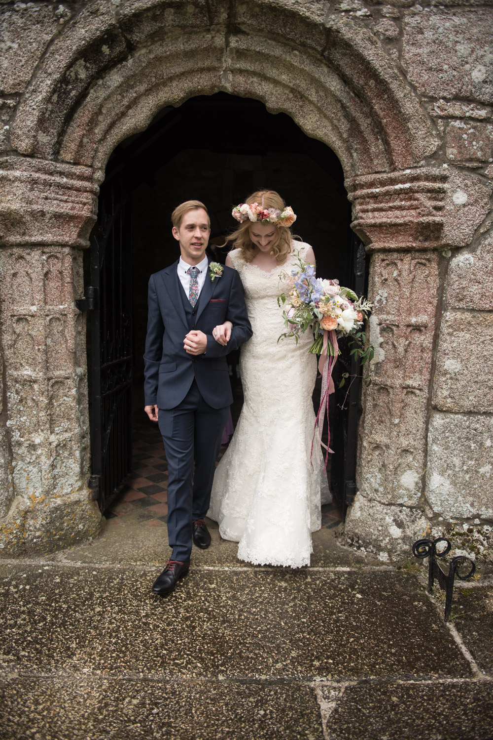 Cornwall Trelowarren boho floral wedding photography byGarazi Birmingham wedding photographer